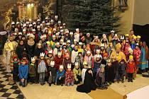 Požehnání tříkrálovým koledníkům ze severní části olomoucké arcidiecéze v Zábřehu.