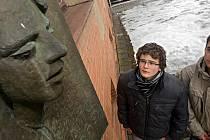 Studenti šumperské průmyslovky si připoměli smutné výročí sebeupálení svého bývalého spolužáka Jana Zajíce
