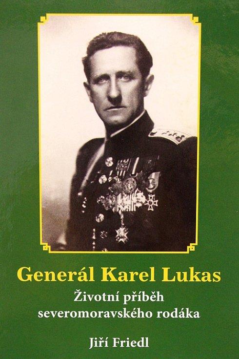 Historik Jiří Friedl představil na besedě v šumperské knihovně svou publikaci o životním příběhu velkého vlastence, generála Karla Lukase.