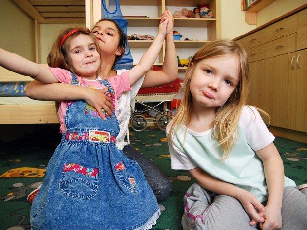 V Klokánku žijí děti s tetou ve vybaveném bytě, předností je, že mohou zůstat se sourozenci.