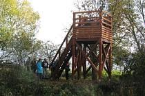 Ptačí pozorovatelnu vybudovali ochránci přírody u Třemešských rybníků nedaleko Šumperka. Chtějí tak přiblížit široké veřejnosti tuto významnou ptačí lokalitu.