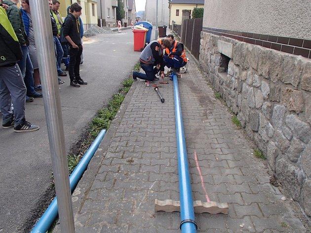 Rekonstrukce vodovodního řadu v Banskobystrické ulici.
