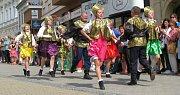 Mezinárodní folklorní festival v Šumperku vyvrcholil v sobotu 20. srpna dopoledne přehlídkou Roztančená ulice.