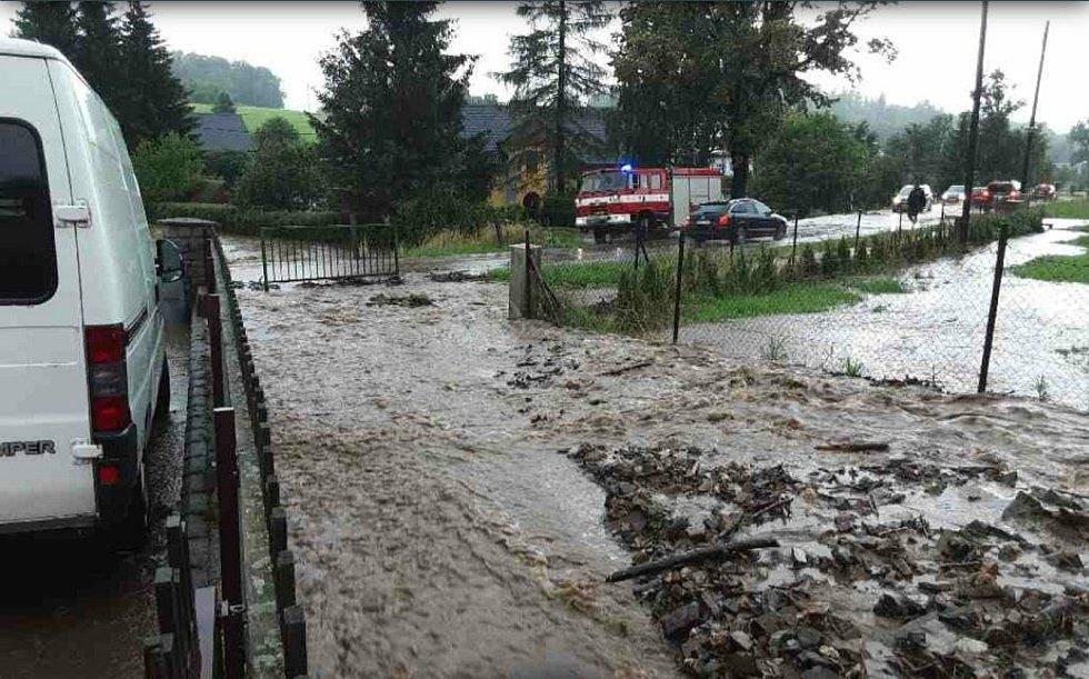 Řeka Bělá na Jesenicku překročila 3.povodňový stupeň.