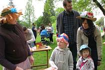 Kloboukový den v sadech 1. máje v Šumperku