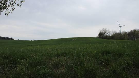 Místo, kudy má vést dálnice mezi Mohelnicí a Starým Městem u Moravské Třebové. Pohled ze silnice Maletín - Hynčina ve směru na Mohelnici.