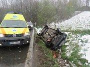 Nehoda Škody Felicia ve středu 19. dubna mezi Kláštercem a Olšany.
