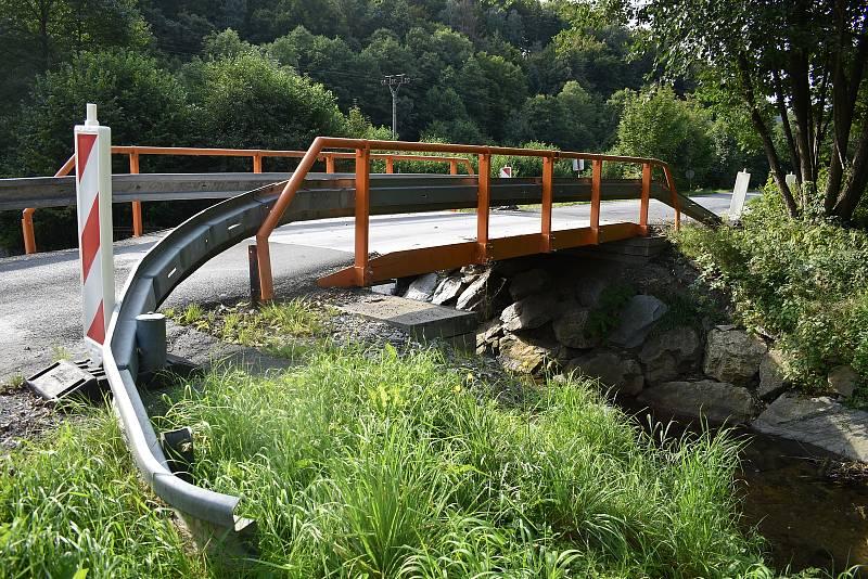 Oskava - provizorní most mezi Oskavou a Bedřichovem.