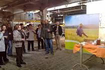 Jeden z největších zpracovatelů a producentů biopotravin v České republice, firma Pro Bio ze Starého Města pod Sněžníkem, zahájila stavbu nové balírny na bezlepkovou pohanku. Balírna vzniká přestavbou takzvaného brownfielu – bývalé továrny na len, která b