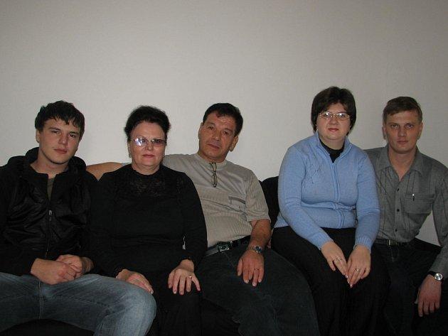 Rodina Valentiny Pestru byla po příjezdu nadšená, nyní chtějí zpět do Kazachstánu.