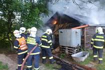 V osadě Ludvíkov u Velkých Losin hořel chlév.