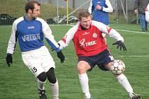 Přípravné fotbalové utkání mezi Velkými Losinami (modré dresy) a Mikulovicemi