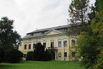 Vůbec poprvé si mohli v sobotu 13. září při Dnech evropského dědictví návštěvníci prohlédnout interiéry zámku v Žádlovicích u Loštic, kde jinak sídlí internát a dílny zemědělského učiliště.