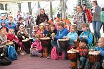 Oslavy Dne Země v Zábřehu byly letos věnované rostliná, které změnily svět. Děti mohly navštívit na čtyřicet stanovišť s nejrůznějšími atrakcemi s tématikou přírody.