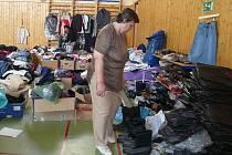 Pomoc Jesenicku: zaplněná tělocvična v Bernarticích