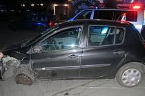 Nehoda, kterou v Bludově způsobil muž, který přepadl barmanku v Šumperku.