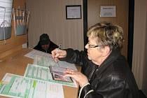 . Vlasta Horandová využila posledního dne pro výměnu občanského průkazu.