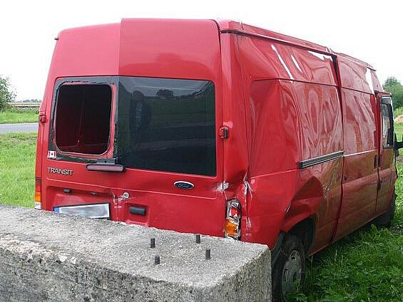 Řidič dodávky havaroval 25. července ve Velké Kraši