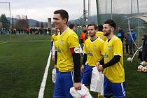 Fotbalisté Šumperku (ve žlutém). Ilustrační foto