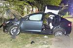 Následky noční jízdy řidiče v Bílém Potoku.