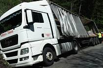 Havárie kamionu u Malé Moravy