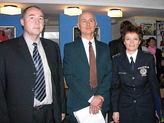 Radomír Feilhauer (uprostřed)
