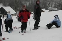 Lyžaři se ve výše položených střediscích mohou těšit na nový sníh,  upravené sjezdovky a teploty pohybující se kolem nuly.