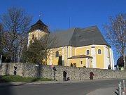 Ze slavnostní mše k znovuotevření kostela svaté Barbory v Zábřehu.