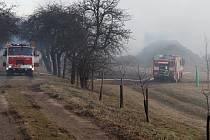 Požár stohu v pátek 3. března nad Bludovem.