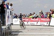 Druhá etapa Závodu míru zavedla peloton z Krnova na Dlouhé stráně