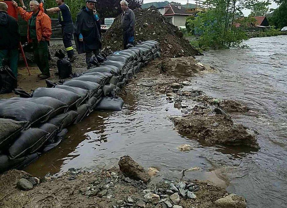 Rapotín. Hasiči zasahují po vydatném dešti 22. 5. 2019