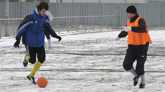 Šumperské fotbalisty (na archivním snímku z tréninku) čeká první přípravné utkání