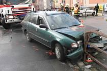 Řidička havarovala u Komerční banky v Šumperku.