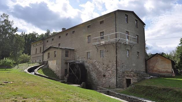 V Riegrově mlýně v Mikulovicích se podařilo zachránit a obnovit původní vybavení.