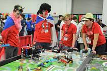 Tým R. U. R. na celosvětovém finále soutěže First Lego League v americkém Detroitu