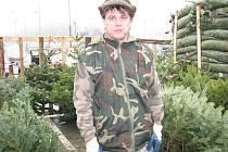 Prodejce vánočních stromků René Skora