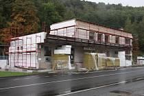 Zlaté Hory zateplují budovu autobusového nádraží.