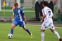 Jakub Linek (s míčem).