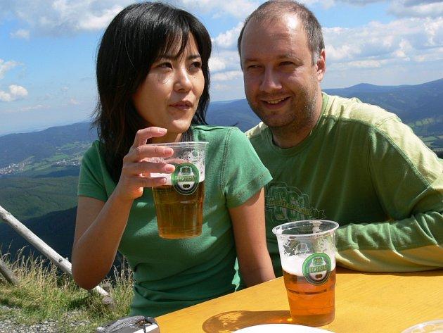 Nejexotičtější účastnicí srazu byla Japonka Yumiko Holbová, která žije s manželem Markem v Brně.