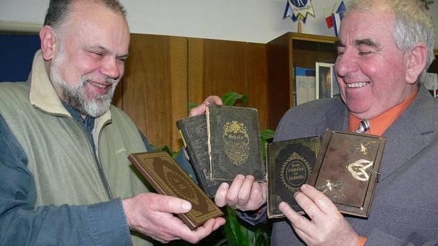 Z původní stovky kapitol je v českém vydání třicet nejzajímavějších.