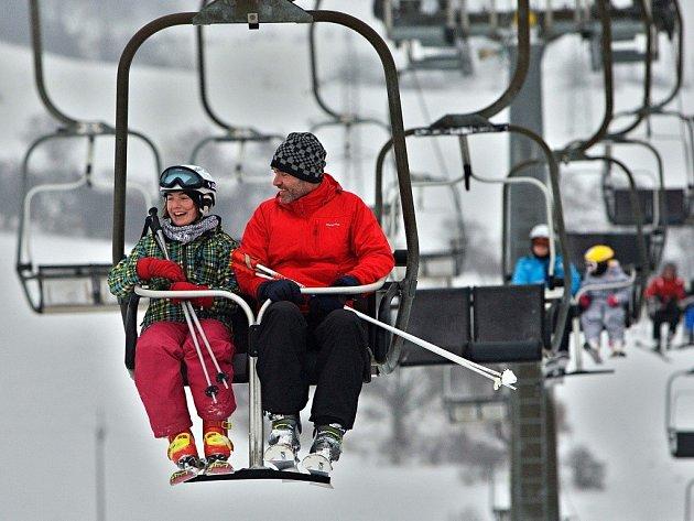 Lyžování ve Ski areálu Branná. Ilustrační foto