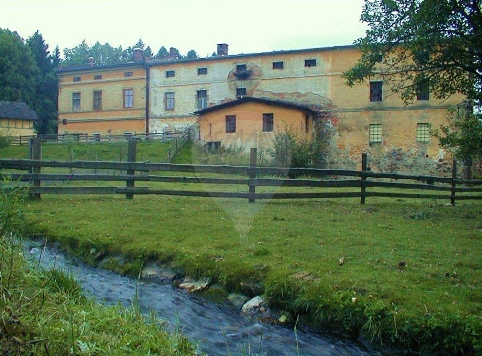 Historický mlýn v Mikulovicích.