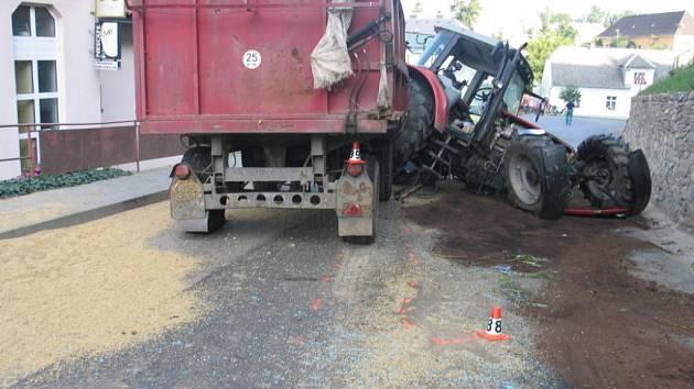 Traktor havaroval v Úsově.