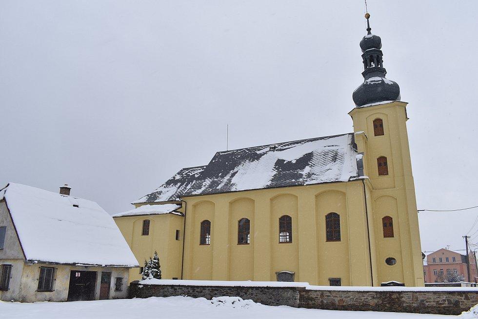 Bělá pod Pradědem - kostel v Dolním Domašově
