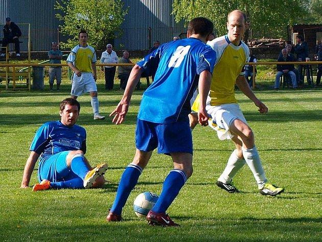 Zlaté Hory (modré dresy) vs. Určice