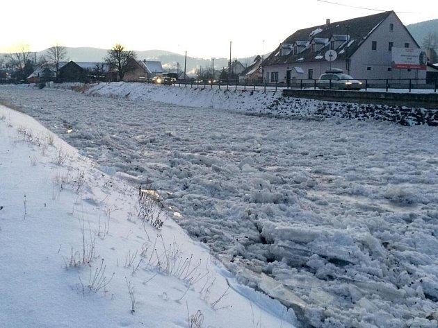Kry v korytě řeky Bělé v České Vsi