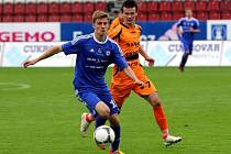 Fotbalisté Sigmy Olomouc B (v modrém) remizovali se Zábřehem 0:0.