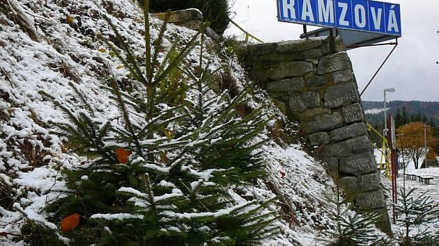 Sněhový poprašek na Ramzové ve čtvrtek 3. listopadu 2016