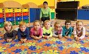 1. třída Základní školy Loučná nad Desnou s třídní učitelkou Jitkou Chytilovou.