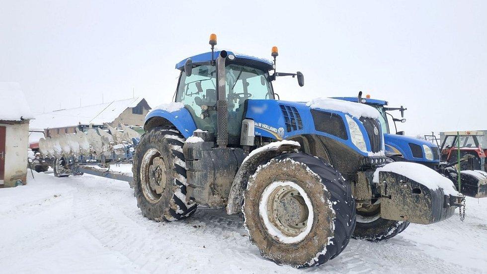 Nehoda traktoru se sloupem elektrického vedení na Zábřežsku